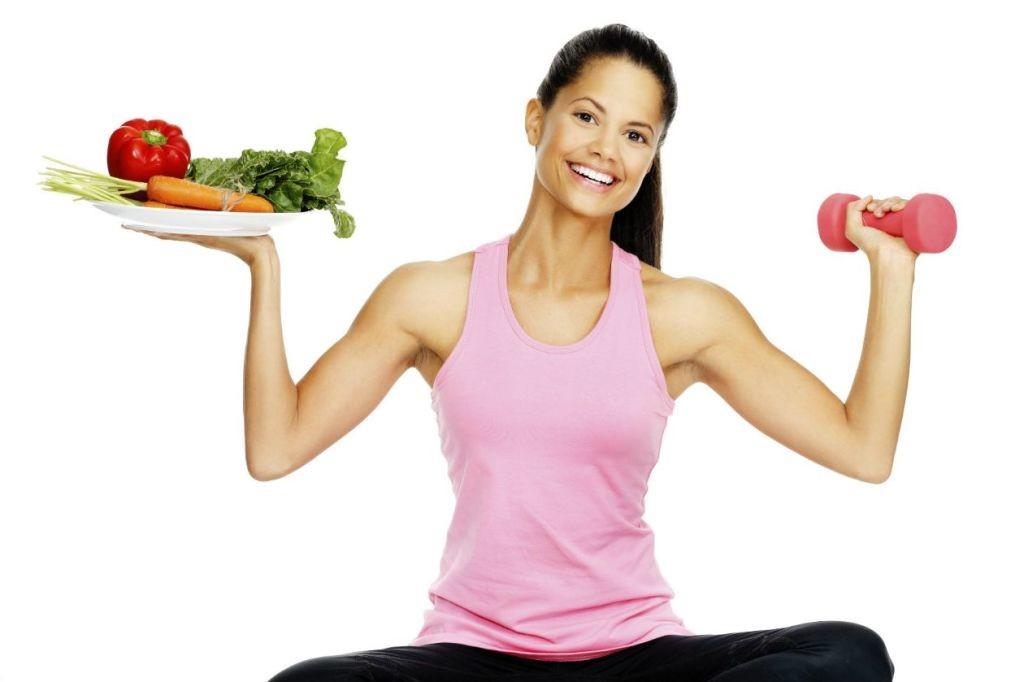 Es recomendable seguir una dieta equilibrada con deporte diario, de manera moderada